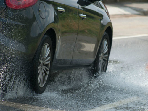 6 Tips to avoid hydroplaning and how to prevent it